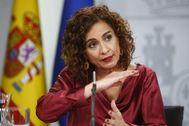 La ministra de Hacienda, María Jesús Montero, en la rueda de prensa posterior al Consejo de Ministros celebrado ayer.