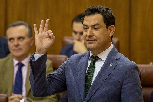 El presidente de la Junta, Juan Manuel Moreno, durante el debate parlamentario de este miércoles.