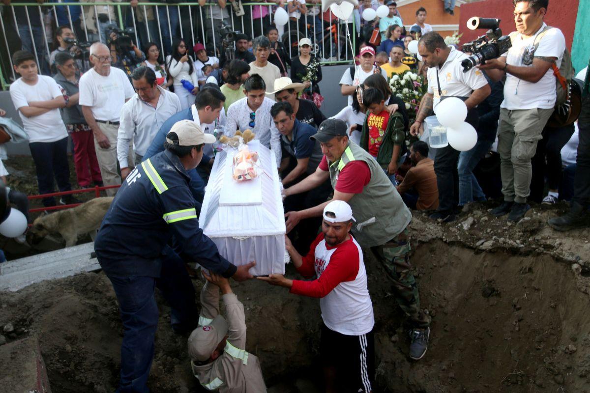 Entierro de Fatima Cecilia Aldrighett, secuestrada y asesinada en Ciudad de México.