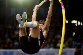 El fenómeno Duplantis se queda a un suspiro de su tercer récord del mundo