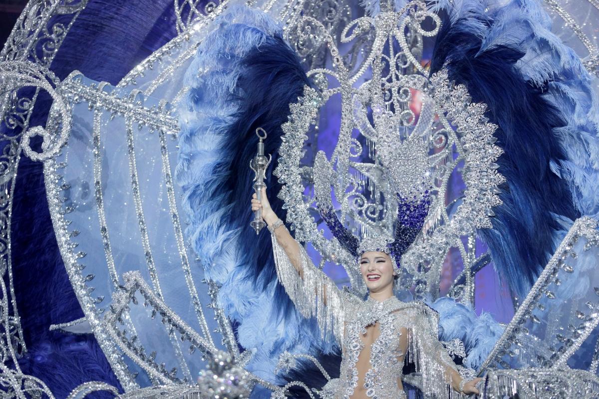 Sara Cruz, la nueva reina del Carnaval de Tenerife.