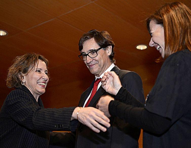 Calvo, felicitada por el ministro Salvador Illa y la presidenta Armengol.
