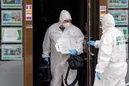Los investigadores que inspeccionaron este miércoles la inmobiliaria del presunto asesino