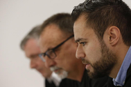 El responsable del sector aeronáutico de CCOO de Industria, Francisco Cuesta (i), el secretario general de CCOO Industria, Agustín Martín (c) y el secretario general de CCOO en Airbus, Francisco San José (d) durante una rueda de prensa celebrada en Madrid este jueves con motivo de los recortes de empleo anunciados por Airbus.