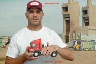 'El Rifle' Pandiani, imagen de una campaña para reclamar por el cártel de camiones