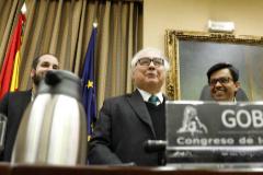 El ministro Manuel Castells con el diputado Gerardo Pisarello.
