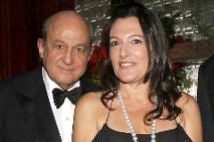 Plácido Arango y la escultora Cristina Iglesias, en una gala de la Hispanic Society de Nueva York en 2006. EFE