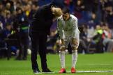 Hazard, con Zidane después de retirarse lesionado.