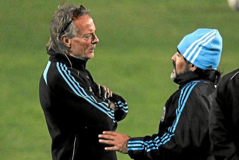 Signorini, junto a Maradona en su época en el cuerpo técnico de Argentina.