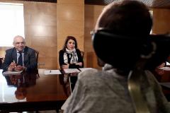 Rafael Simancas, Adriana Lastra y Pablo Echenique conversan en la reunión de las delegaciones de PSOE y Unidas Podemos, esta semana.