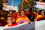 Ciudadanos catalanes en la manifestación convocada por Societat Civil Catalana en noviembre de 2019.