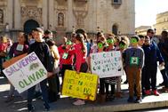 Protesta en defensa del olivar en la ciudad de Jaén.