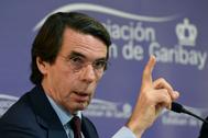 El expresidente del Gobierno y presidente de la Fundación FAES, José María Aznar, interviene en una mesa redonda sobre el fortalecimiento de España en el País Vasco