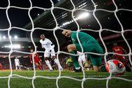El error de Fabianski, en la acción del 2-2 de Salah.