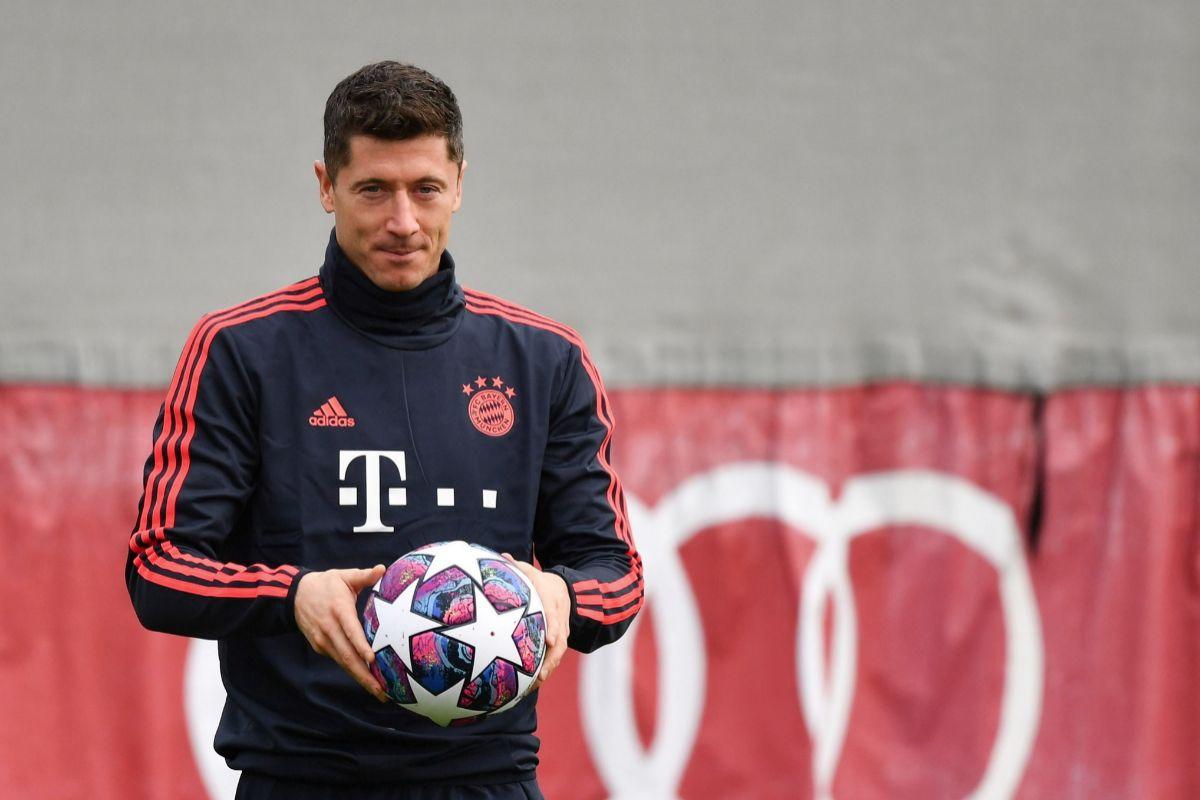 Lewandowski, en el entrenamiento en Londres.