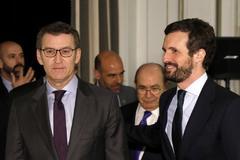 Alberto Núñez Feijóo y Pablo Casado, a su llegada al desayuno informativo del presidente gallego.