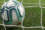 GRAF5590. MADRID.- El centrocampista del Atlético de Madrid Koke (i) tras marcar el segundo gol ante el Villarreal, durante el partido de Liga en Primera División disputado esta noche en el estadio Wanda Metropolitano, en Madrid.