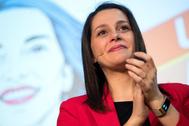 La portavoz de Ciudadanos en el Congreso, Inés Arrimadas, en un acto con afiliados en Barcelona el pasado viernes.