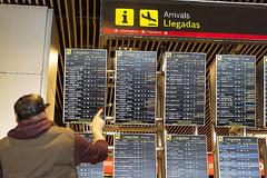 Pantallas del aeropuerto de Barajas, el pasado día 3, tras la restricción del espacio aéreo por drones.