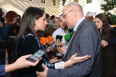 Inés Arrimadas y Francisco Igea, en la tensa charla que mantuvieron el lunes en Arroyo de la Encomienda.