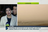 Fotograma de RTVC en el que se ve al joven momentos antes de besar a la periodista.