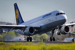 Lufthansa y KLM dejan de contratar; Fujitsu anuncia un ERTE