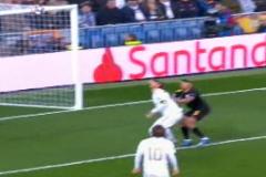 ¿Hubo falta de Gabriel Jesús a Ramos en el primer gol del Manchester City?
