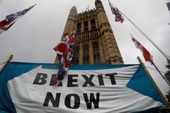 Cartel a favor del Brexit a la salida del Parlamento de Westminster.