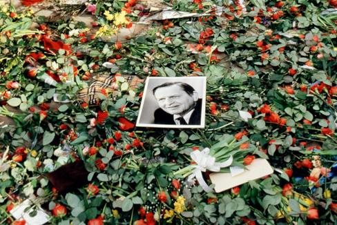 Homenaje a Olof Palme en marzo de 1986, tras su asesinato.