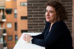Teresa Romero, superviviente del ébola, en la terraza de su casa, en Alcorcón (Madrid).