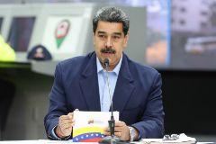 Nicolás Maduro anuncia en un acto, en Caracas.