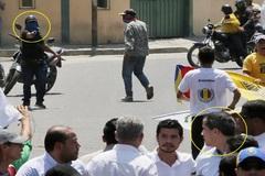 Fotografían a paramilitares chavistas apuntando hacia Guaidó en la manifestación