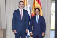 El rey Felipe VI se reúne con el presidente entrante de Uruguay, Luis Lacalle Pou.