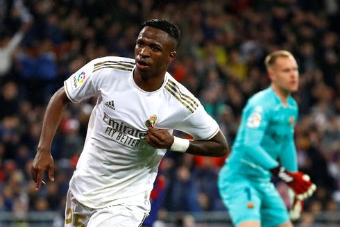 Vinicius celebera el 1-0 ante el Barcelona.