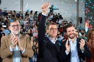 Mariano Rajoy, Alberto Núñez Feijóo y Pablo Casado, el domingo, en un acto del PP en Galicia.
