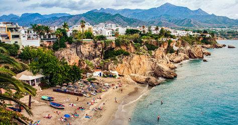 Una de las playas de la localidad de Nerja, en la provincia de Málaga.