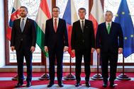 Los líderes de Polonia, Hungría, Chequia y Eslovaquia, hoy en Praga.