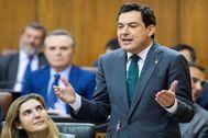 El presidente de la Junta, Juanma Moreno, este jueves en el Parlamento.