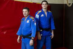 """El judoca Niko Shera, sus dos padres y sus dos países: """"Tengo el corazón 'partío"""""""
