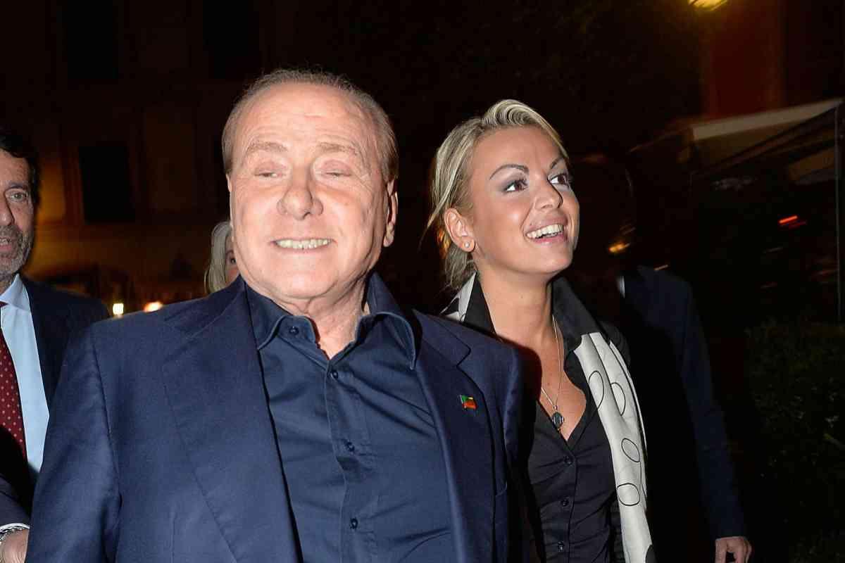 Berlusconi y su ya ex novia, Francesca Pascale.