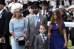 Haya con el emir y sus hijos, en las carreras de Ascot de 2018.
