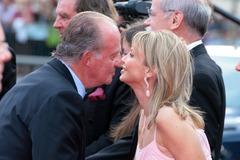 El Rey Juan Carlos y Corinna Larsen, en una imagen de 2006, tomada en Barcelona.