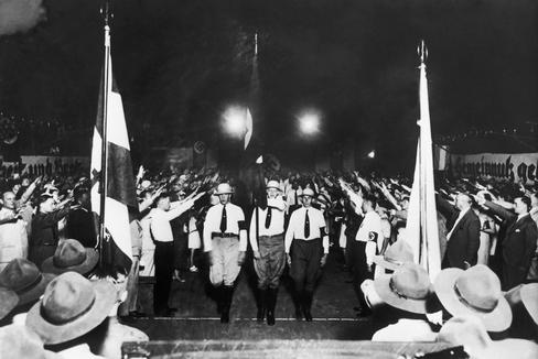 El Partido Nacional-Socialista de los Trabajadores marcha en Buenos Aires en 1936.