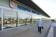 El hospital Mateu Orfila en Menorca, donde permanece ingresado el paciente.