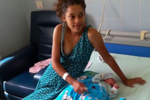 """Embarazadas venezolanas que huyen para dar a luz: """"Yo ya perdí un bebé en mi país"""""""