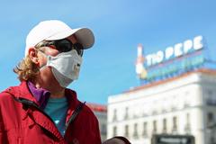 El Gobierno de Madrid se reúne de urgencia tras duplicarse los casos de coronavirus