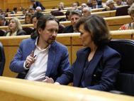 Pablo Iglesias y Carmen Calvo la semana pasada en el Senado