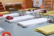 Camas para indigentes habilitadas en la Escuela de Adultos de Ibiza. AY. IBIZA