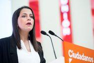 La portavoz de Ciudadanos, Inés Arrimadas, este martes durante la rueda de prensa posterior a la reunión mantenida con los vicepresidentes regionales de su partido.