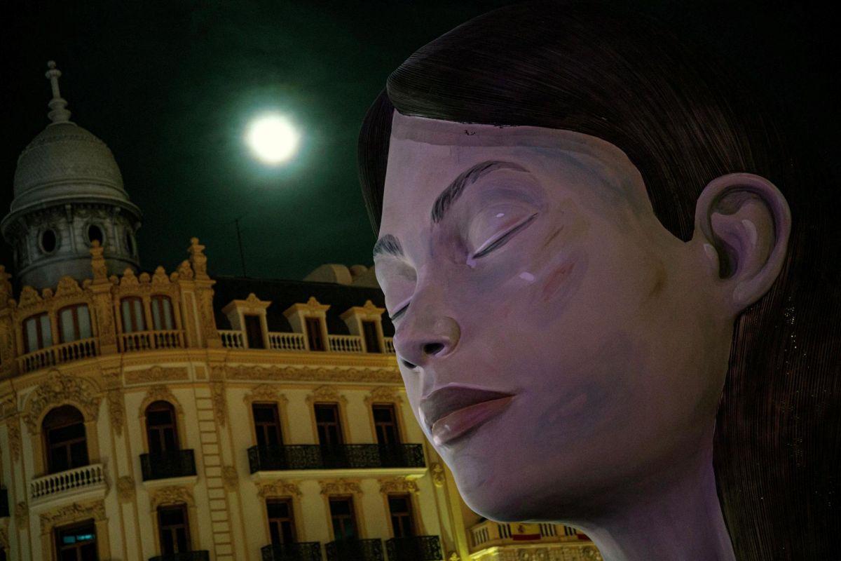 Imagen de la figura principal de la falla municipal.